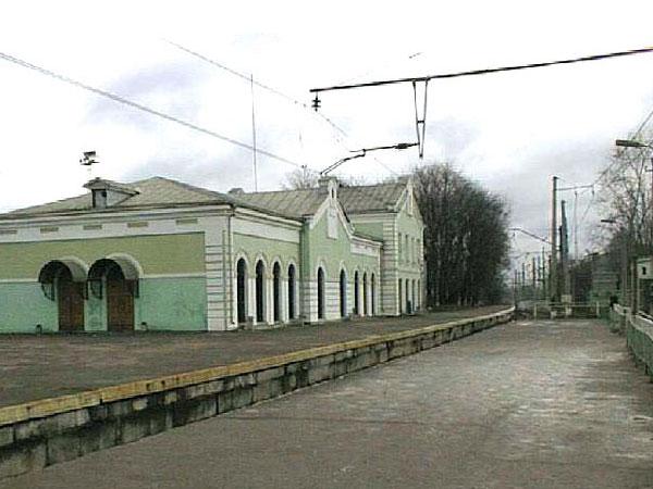 современная железнодорожная станция