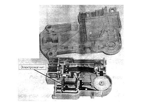 На рисунке 8- замок с электромагнитом
